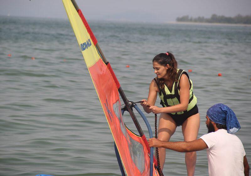 Rüzgar Sörfü3 (1)